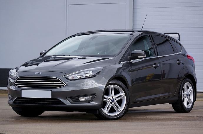 grey-ford-focus-hatchback-1007410